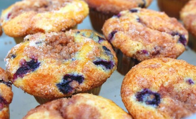 To Die For Blueberry Muffins W/ Cinnamon Sugar Streusel – Simply ...