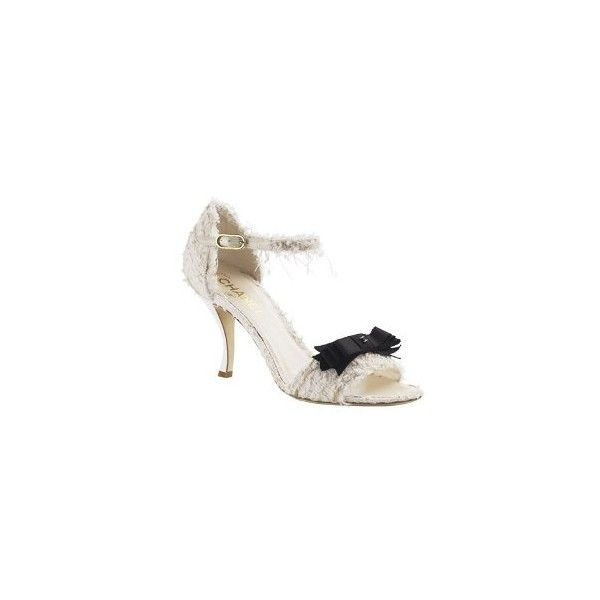 Accesorios para novias de Chanel ❤ liked on Polyvore featuring shoes, sandals, chanel, heels, scarpe, chanel sandals, chanel shoes, chanel footwear and heeled sandals