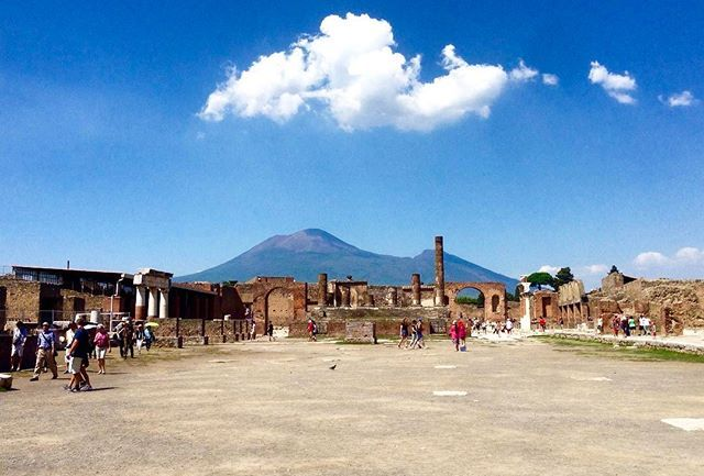 🏛walking in the streets of ancient Pompeii felt like traveling back in time 🏛 #tb #throwback #italian_places #travelgram #traveltheworld #browsingitaly #travelblog #travelpics #traveldiaries by gio_carneri. travelpics #tb #browsingitaly #travelgram #throwback #italian_places #traveldiaries #traveltheworld #travelblog