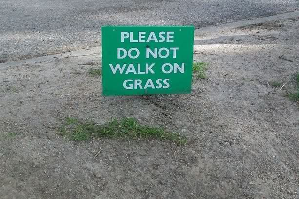 can do.: Walks, Funny Pics, Funny Signs, Giggl, Funny Stuff, Street Signs, Funnysigns, Smile, Signs Boards