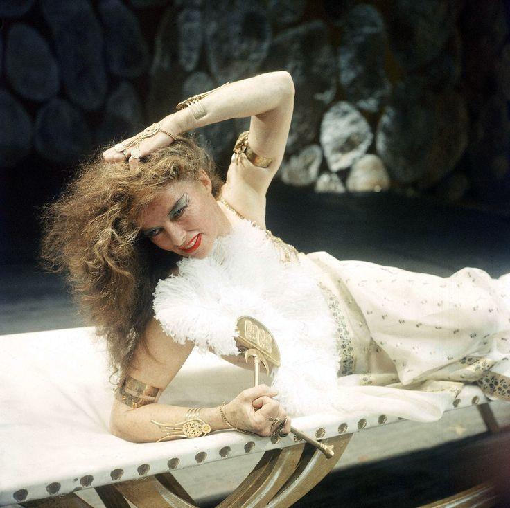 Katharine Hepburn -- Antony and Cleopatra (American Shakespeare Festival,1960)