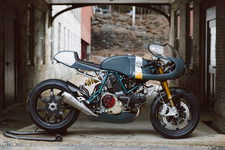 Walt Siegl is the man many modern custom motorcycle builders pointed to as a primary source of inspiration, he's been building world class bikes since the '80s –when he was based out of a friend's basement in Long Island City. Meet Walt Siegl Walt left art school at the age of 19 and found work...