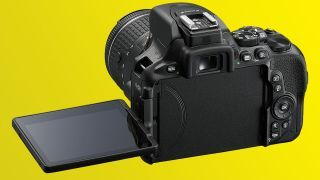Nikons latest DSLR is always connected to your smartphone