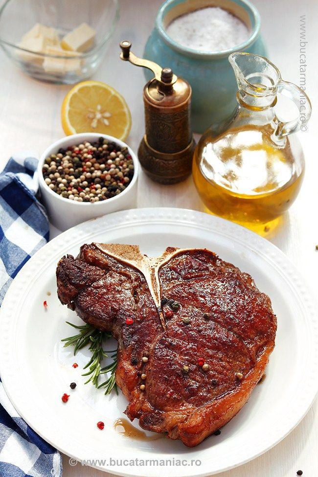 Steak de vită la tigaie cu unt și piper