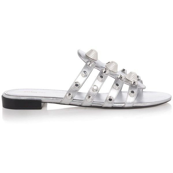 Balenciaga Arena Studded Flats Sandals (824065 IQD) ❤ liked on Polyvore featuring shoes, sandals, silver, flat pumps, strappy flats sandals, leather strap sandals, t-strap flat sandals and strappy flat sandals