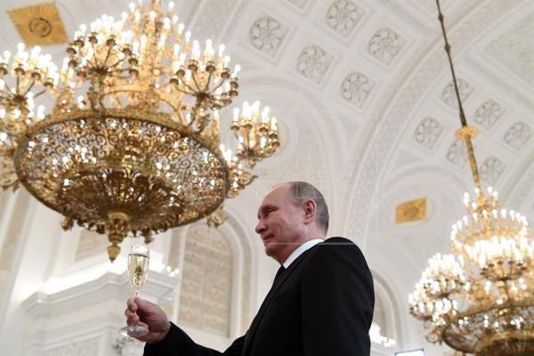 Comisión electoral da luz verde a Putin para iniciar la campaña electoral