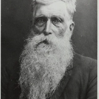 This is Hans Langseth is the man who grew gr8est/longest  beard ever Was 17 feet 5 inches at time of his Death