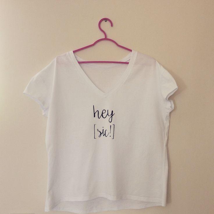 """""""hey [sic!]"""" koszulka ręcznie malowana"""