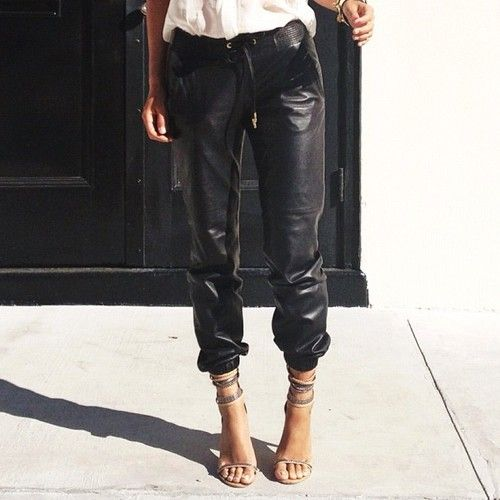 YES to these pants! Y.E.S. on the right pair of legs - tres bon