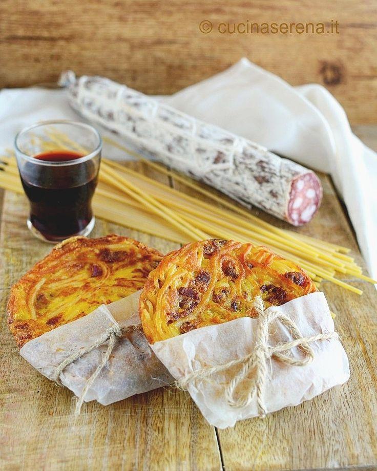 Frittata di spaghetti e salame stile street food (ricetta di Totò)