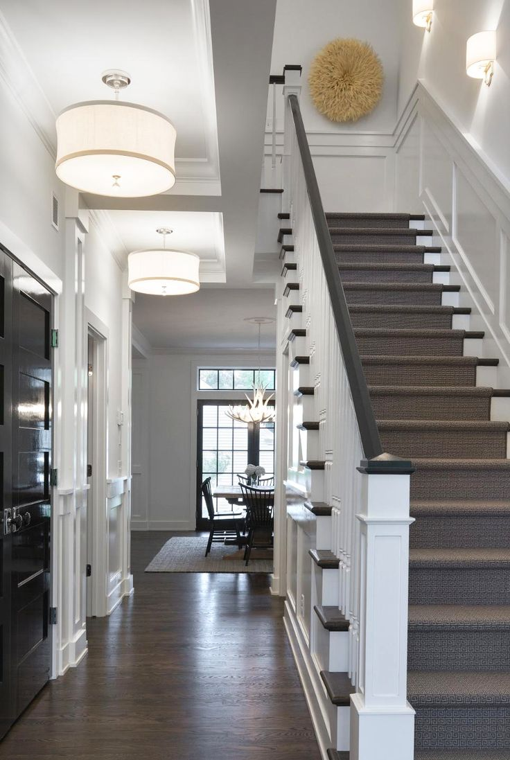 25 best ideas about foyer colors on pinterest how to for Colonial foyer ideas