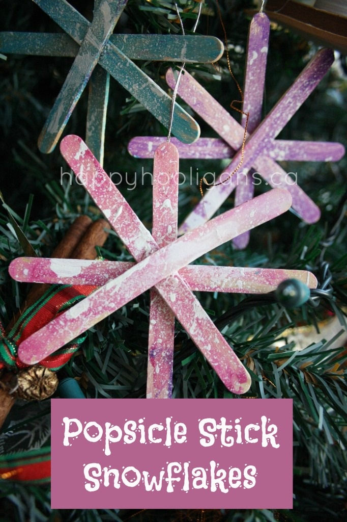 Popsicle stick snowflake ornaments. Fun Christmas craft for the kids. Add silver
