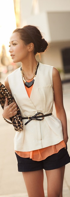 Classy way to wear shorts, the layers tied off with a skinny belt finishes the look. #www.inventyourimage.com