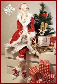 Advent närmar sig med stormsteg och jag har nu virkat årets första Jul Tilda. Hos mig är allt vitt och silver så den röda Jul Tilda får no...