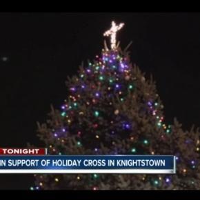 Oświetlenie tego krzyża nie będzie już finansowane z kasy miejskiej Knighstown (scrn)