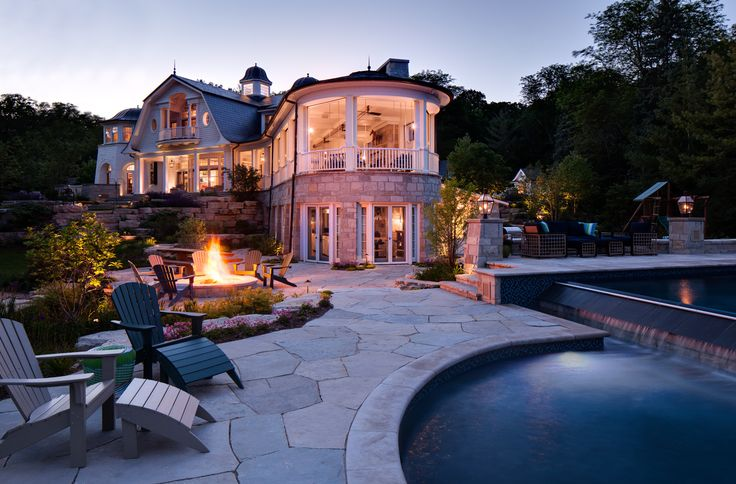 Endless summer nights out by the pool an parties over the firepit <3