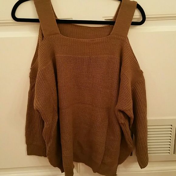 Sold Cold shoulder sweater in brown. ADORABLE cold shoulder sweater in brown with BATWING sleeves. Super cute. NWOT Sweaters Crew & Scoop Necks