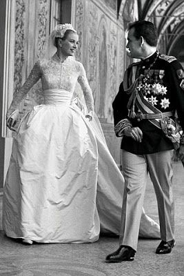 I have always been in love with Grace Kelly's Wedding Dress. | Grace Kelly married Prince Rainier III of Monaco in 1956 in a fairytale dress of pale pink taffeta and cream-coloured Alencon lace. #GraceKelly #GraceKellyWedding #PrinceRainierII