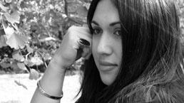 Te Rongo Kirkwood - Contemporary Maori Glasswork artist and jeweller