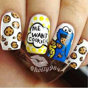 Cookie Monster Nail Art