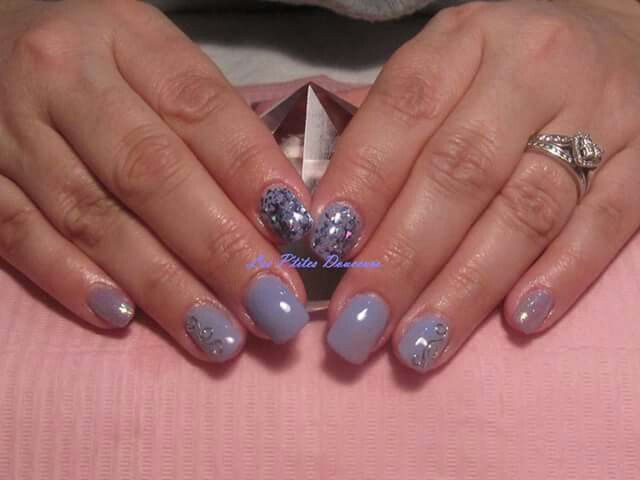 Acrylic sculpted nails with CND Shellac and foils