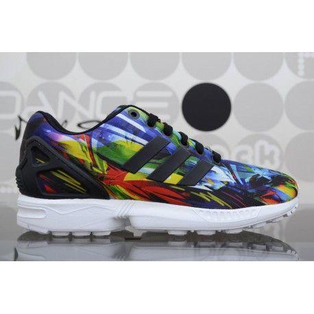 Scarpe Adidas ZX Flux Multicolor da uomo con grafiche allover; sneaker con fodera in mesh e tomaia in ripstop di nylon. Shop online, spedizioni in 24/48h.