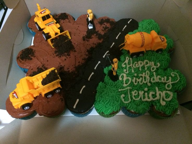 Construction themed pull apart cake!