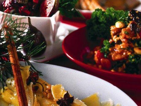 Svartrötter med kanel, kardemumma och prästost. Recept: http://alltommat.se/recept/svartrotter-med-kanel-kardemumma-och-prastost/
