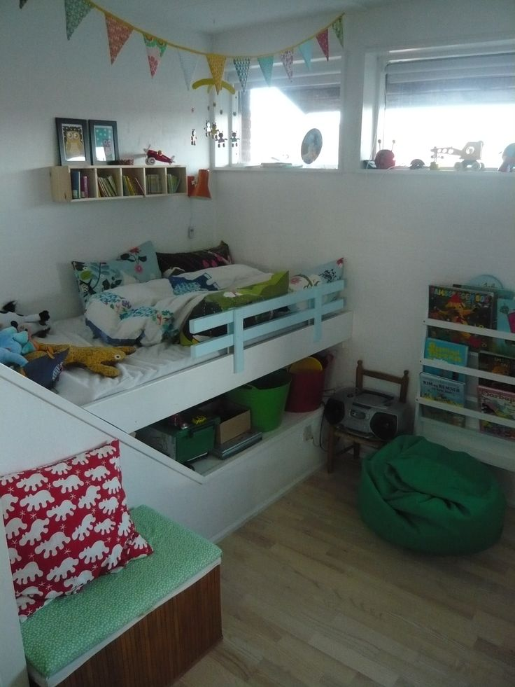 Small Box Room Cabin Bed For Grandma: Working With An Over-stairs Bulkhead, Plus Bunting