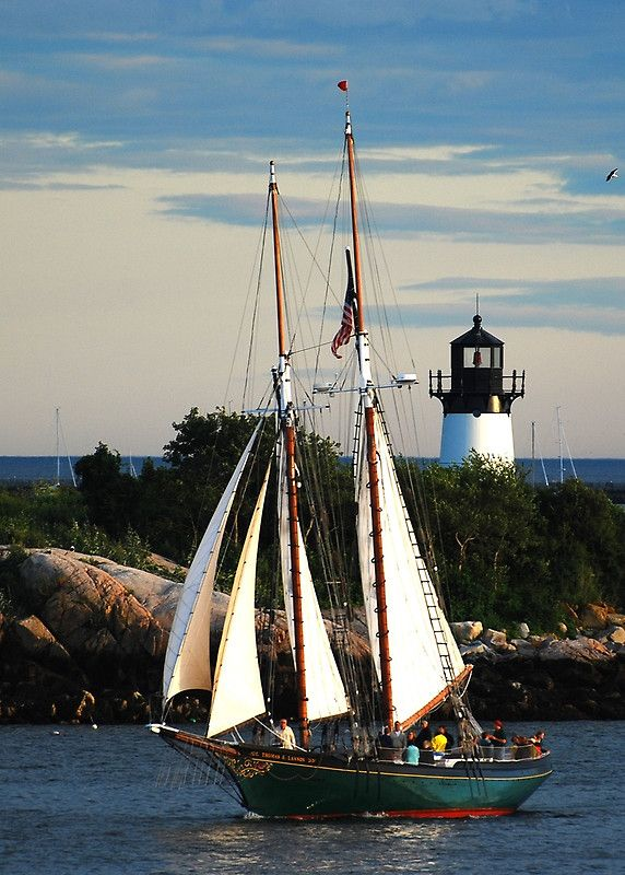 Thomas E. Lannon sails past Ten Pound Island Lighthouse - Gloucester, Mass