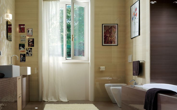 Collection: FAP Idea / Cedro   These polished, extra-glossy bathroom tiles reflect light and give the room a luminous feel.
