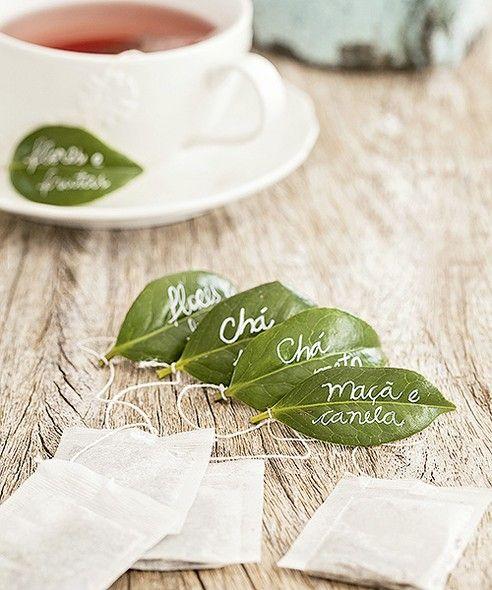 Jeitinho naturalmente charmoso de identificar os tipos de chá: em folhas de camélia