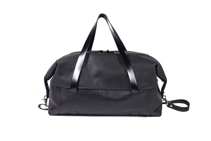 Duffle bag Martin Dust leather bag sac à voyage cuire black noir minimalist transform bigger bag Montréal: