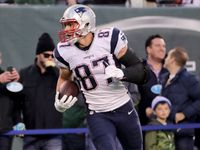 Gronkowski (back) leaves early, ruled out against Jets #gronkowski #leaves #early #ruled #against