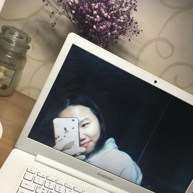 samsung #samsung #selfie #iphone #apple #notebook #night http://www.butimag.com/apple/post/1483751886287983798_1705717398/?code=BSXWHq1AtS2