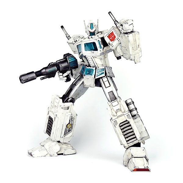 Celebrate your hard fought battle against the Decepticons with more than a simple soldier, Ultra Magnus.