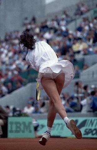 Gabriela Sabatini in beautiful form at Roland Garros ...