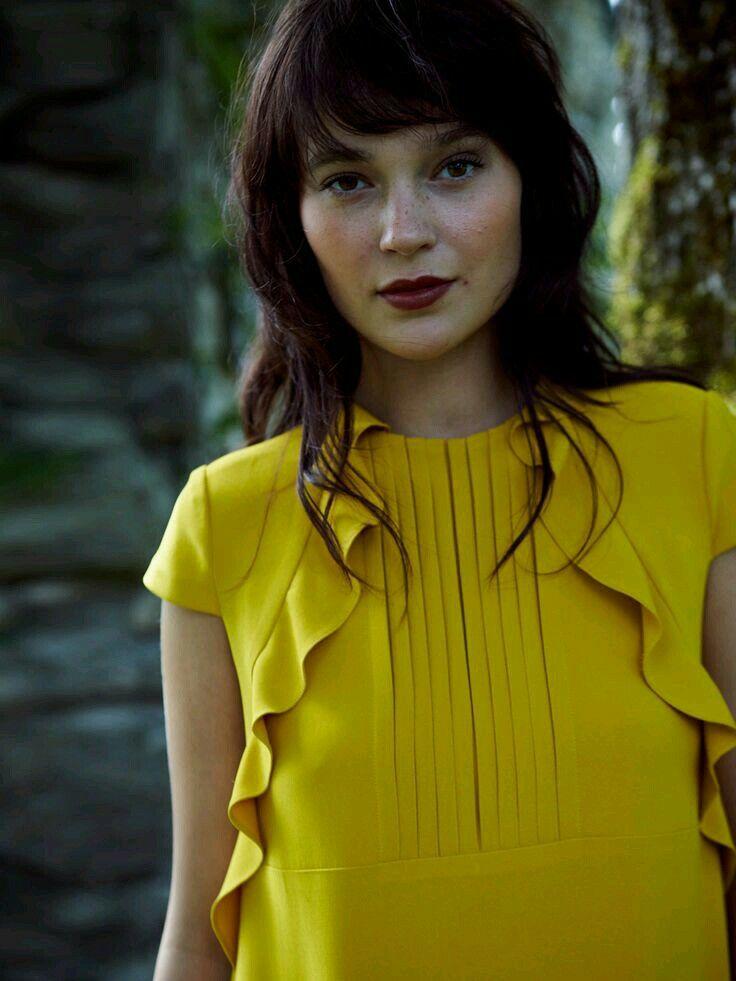Moda feminina | Vive | Sente-te bem | #vestuarioemoda | #girlpower | #fashion Mais inspirações @ https://www.facebook.com/maiseuvestuario/