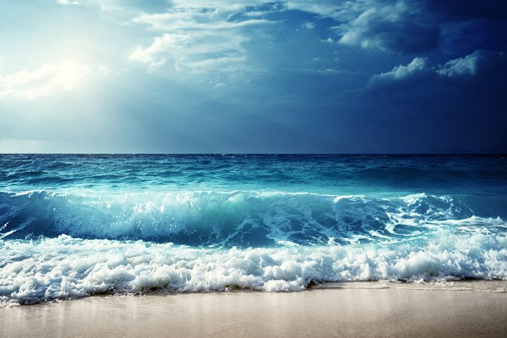 Blue waves before the storm / 5000 x 3337 / Water / Photography   MIRIADNA.COM