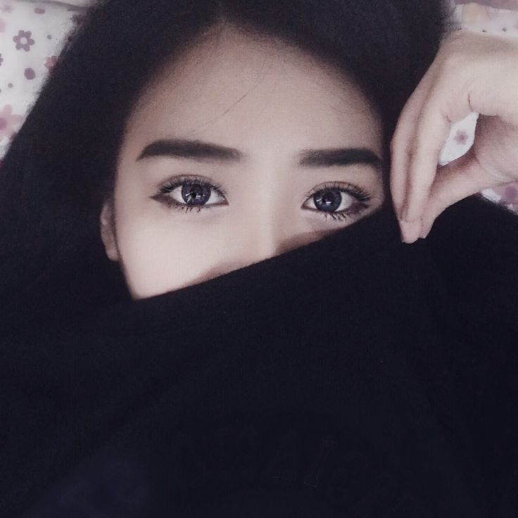 #selfie #eyemakeup #lashes #black #asian #eyebrows #closeup #vscoselfie #contactlens