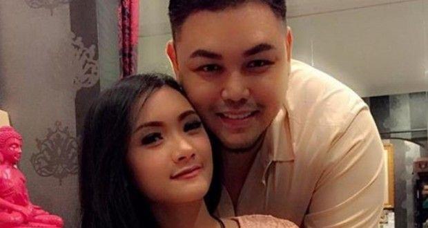 Cita Citata Akan Membalas Cinta Ivan Gunawan? Sumber : www.sisidunia.com/2014/12/11/cita-citata-akan-membalas-cinta-ivan-gunawan/32066