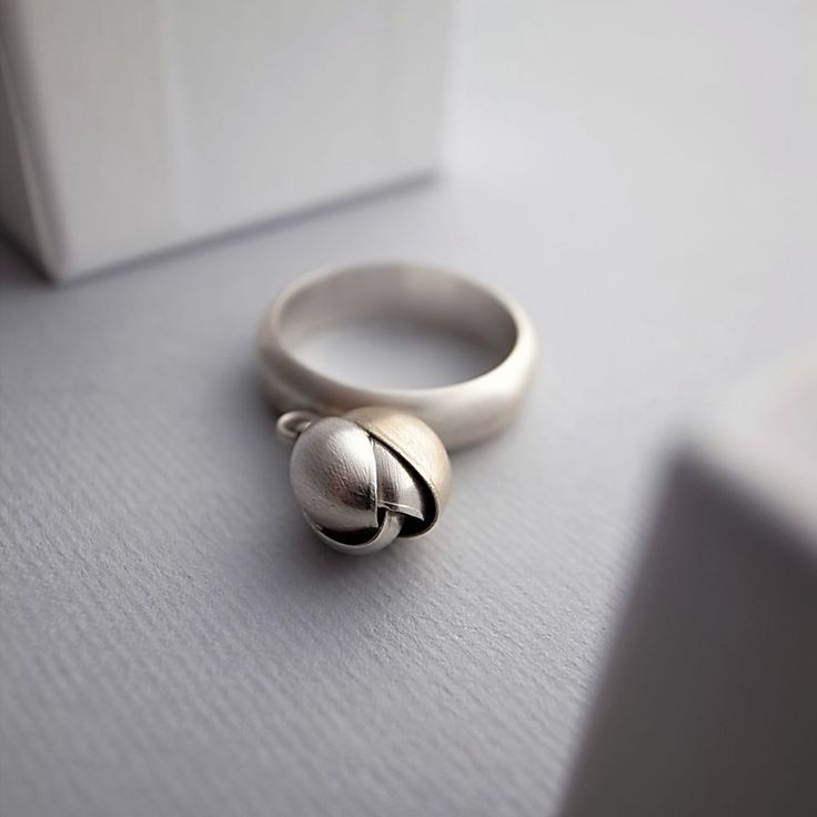 ring/ silver 925/1000, gold 585/1000