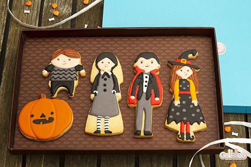 Terrorífica familia de Halloween. Diseño de @postreadiccion .  http://www.galletea.com/galletas-decoradas/