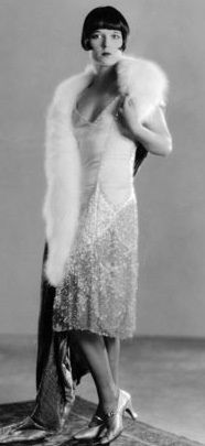Louise Brooks,1920s dress by Coco Chanel.Her designs were simple but faultlessly elegant