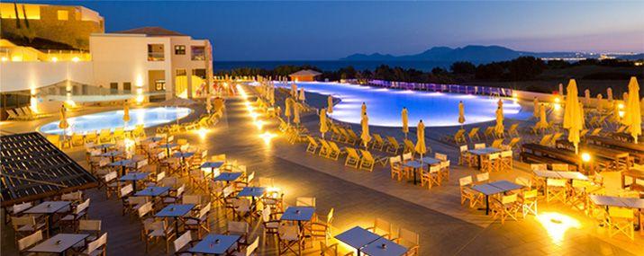 Blue Lagoon Resort, Kos - englantilaisen työväenluokan viiden tähden hotelli. Häät ohukaisbaarisaarella? Nam!