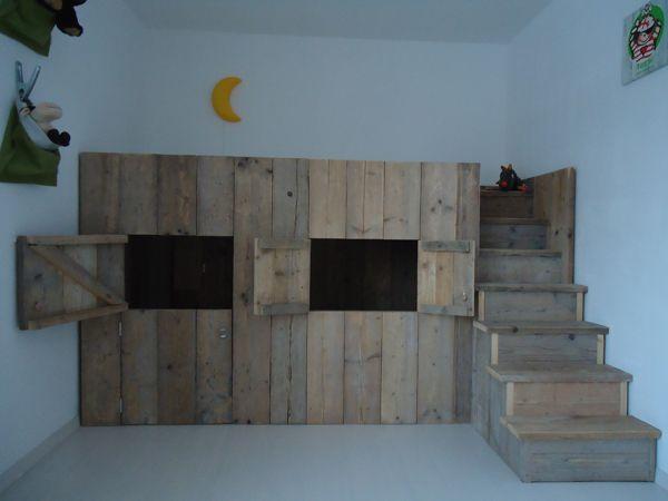 17 beste afbeeldingen over kinderbed steigerhout op pinterest deuren baby jongen en vogelhuisjes - Op maat hoogslaper ...
