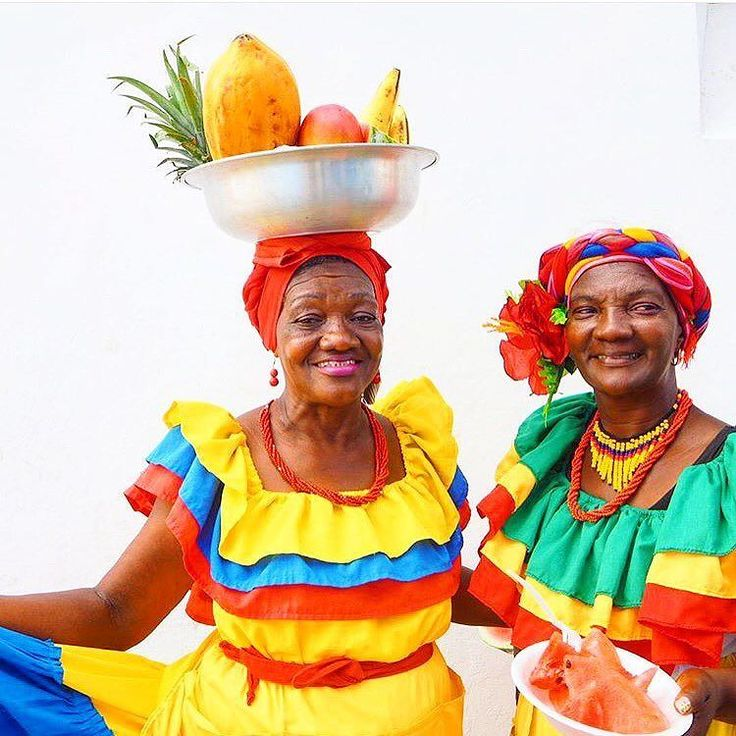 The beautiful and colorful Afro-Colombian woman of Cartagena in @experiencecolombia!  A city filled with loads of history and culture at every turn. Be sure to speak the always friendly ladies of the streets - and pick up some yummy fruits!  Photo by traveller @aroadandi via @experiencecolombia.  #VisitSouthAmerica | #ExperienceColombia by visitsouthamerica_
