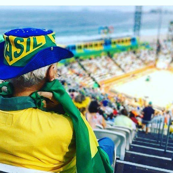 Old man lost himself in the game  #rio #olympic #rio2016 #condom #olympics #brazil #roadtorio #samba #makeithappen #countdown #roadtorio #wirhabeneinziel #timebrasil #brasil #football #brasilfootball #rionews #rioexpress #expressnews #sportsnews #instanews #instasports #tbt #like #follow #2016olympics #competition #schedule #Rumba #espanol