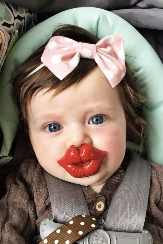 If my babe used a bink I would totally buy this adorable lip paci!!!!!!