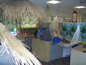 Beach Theme Cubicle Ideas For Your Office Cubicle